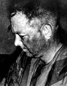 Edwin Atterberry jako POW (Prisoner of War)